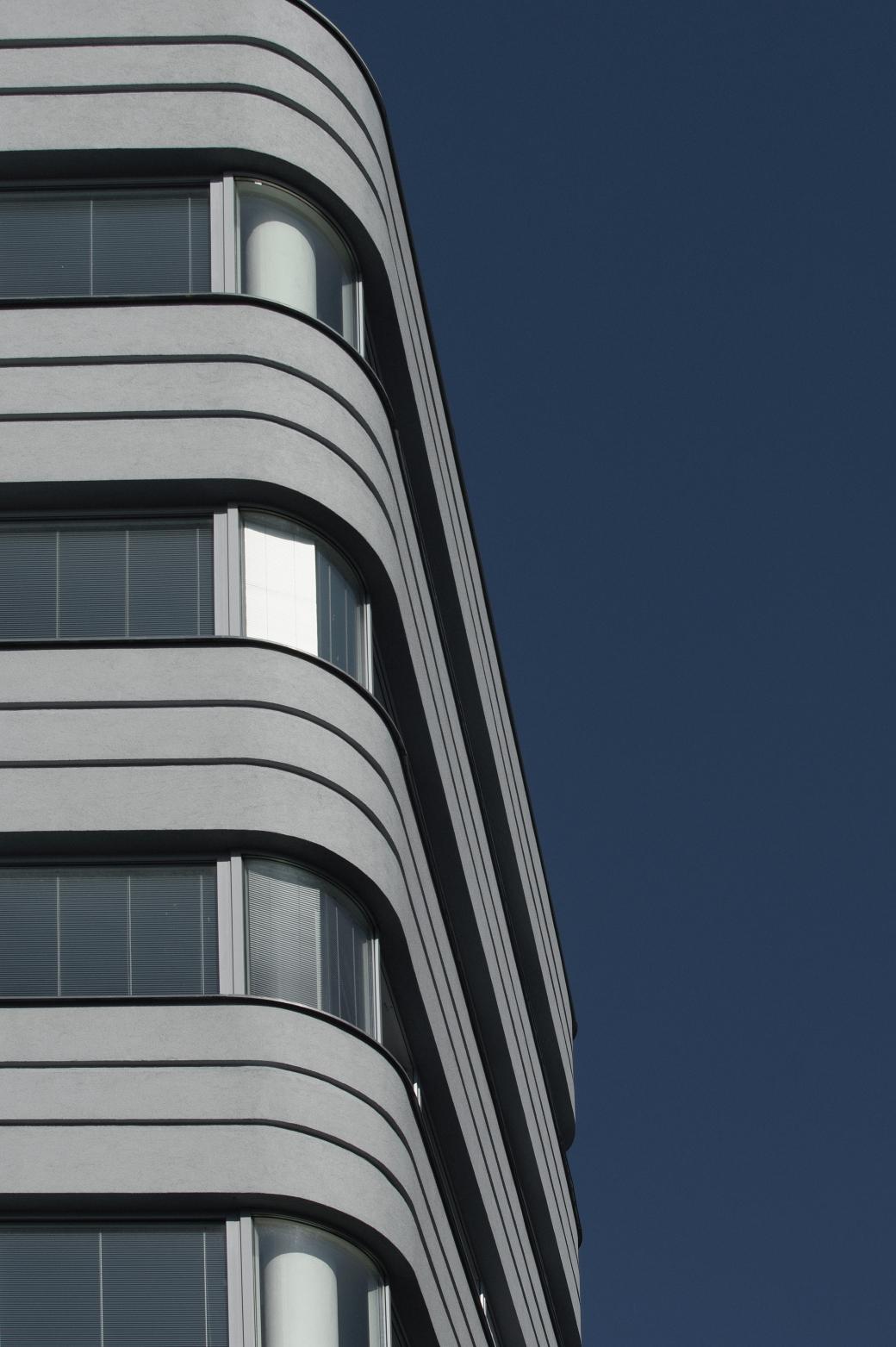 Apartment Building Křídlovická