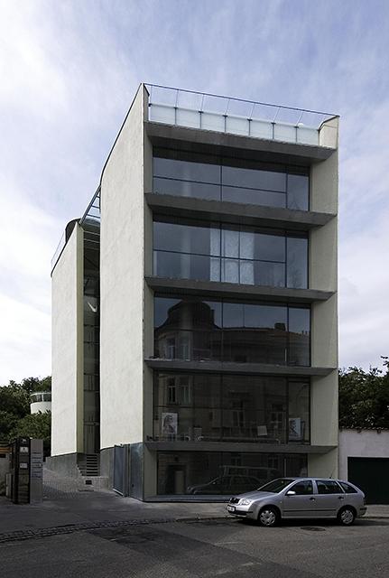 Dům s ateliérem Kamenná