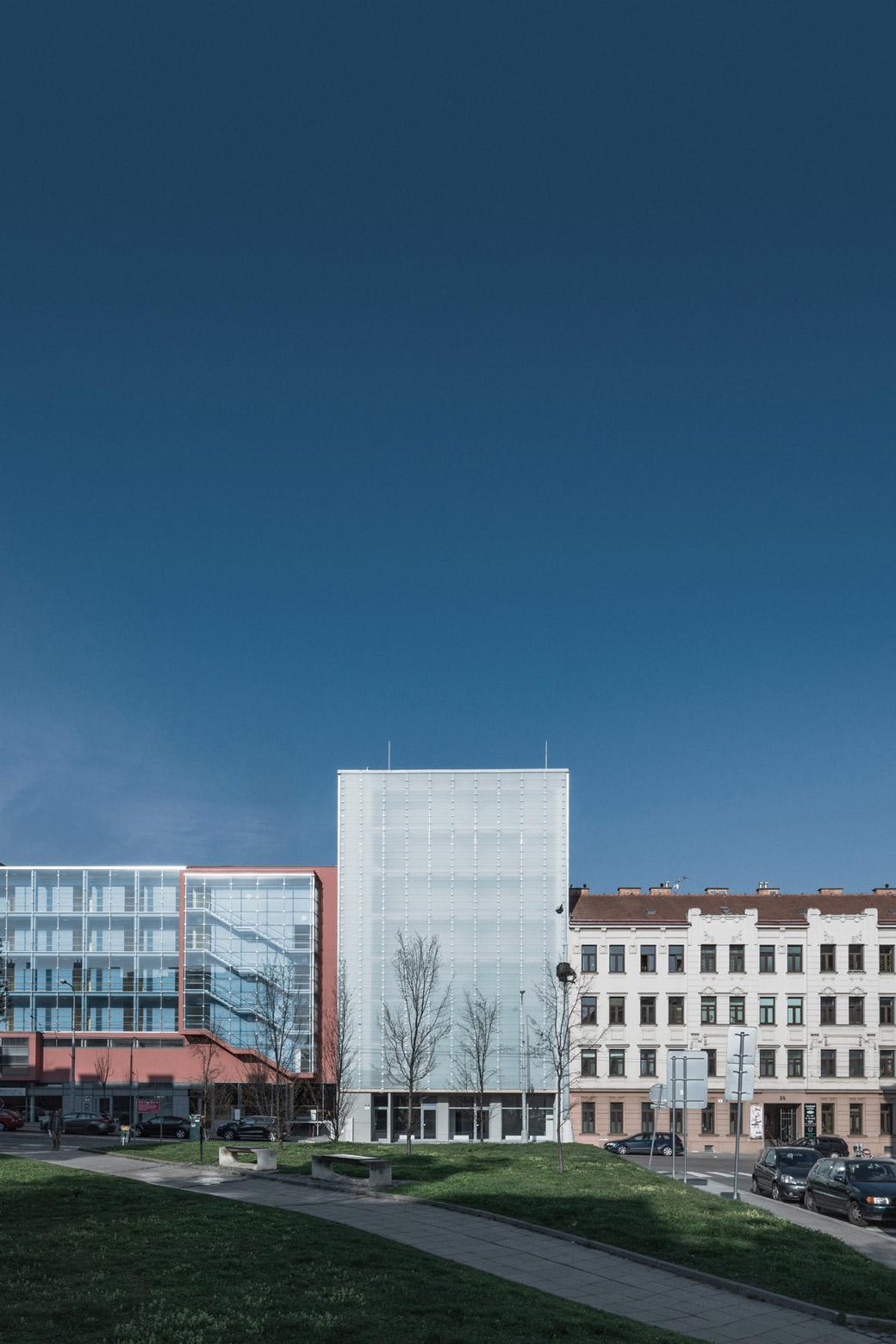 Apartment Building Vídeňská